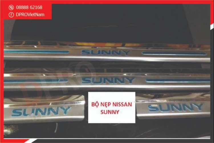 bac-len-xuong-cho-xe-nissan-sunny-3