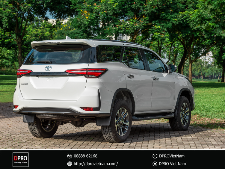 duoi-xe-toyota-fortuner